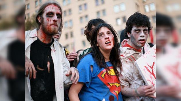 Los chilenos exigen reformas educativas con un multitudinario 'flasmob' zombi