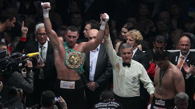 Boxeo: Vitali Klichkó retiene el título de los pesos pesados del CMB