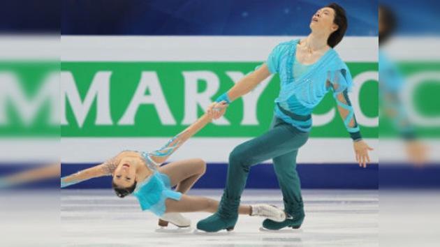 Qing Pang y Jian Tong finalizan primeros tras la primera jornada del Mundial de Patinaje