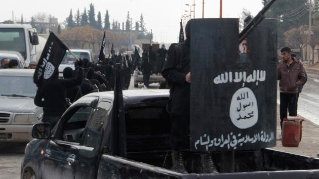 Petróleo a 20 dólares por barril: Los 'negocios' de EE.UU. con el Estado Islámico