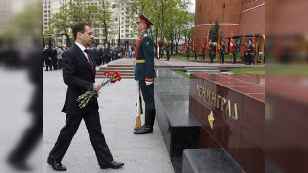 """Dmitri Medvédev: """"Hay que restablecer la conciencia patriótica rusa"""""""