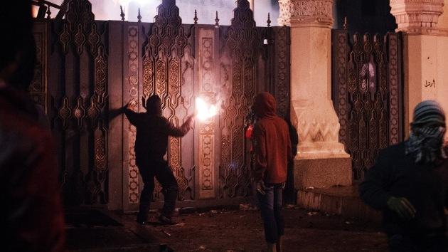 Egipto: El hombre apaleado por la policía asegura que los agentes le salvaron de manifestantes