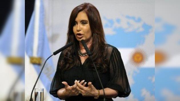 Presidenta argentina eleva la apuesta en la disputa sobre las Malvinas