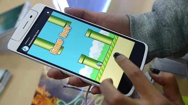 """Desconcierto en la Red: El creador del juego viral Flappy Bird lo elimina por ser """"adictivo"""""""