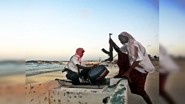 Los marineros rusos secuestrados en Camerún, llamaron a casa