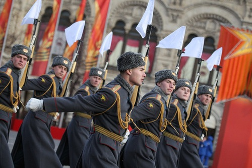 Moscú conmemora el 69 aniversario del legendario desfile del 7 de noviembre de 1941