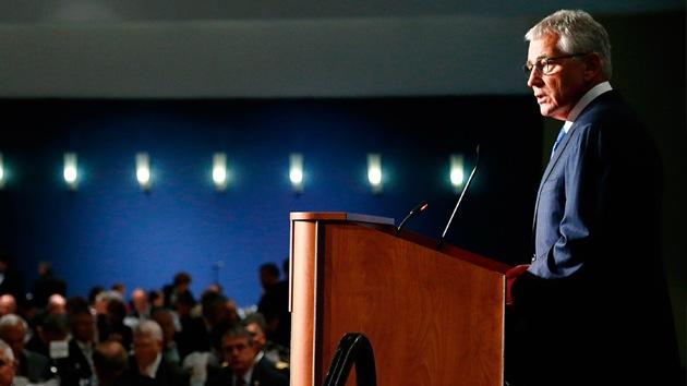 """Chuck Hagel: """"El Ejército de EE.UU. debe oponerse a Rusia"""""""