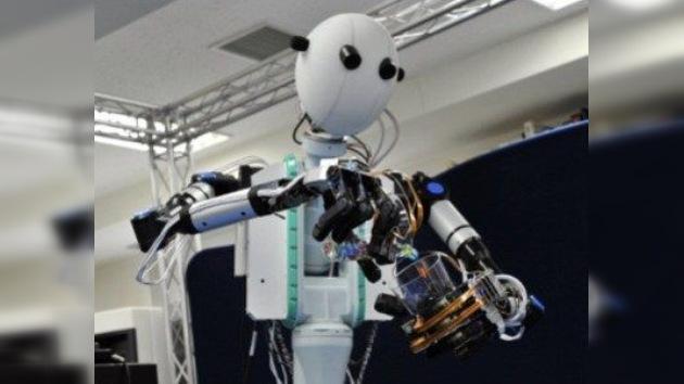 Crean un 'robot-sombra' que imita cada movimiento de su controlador