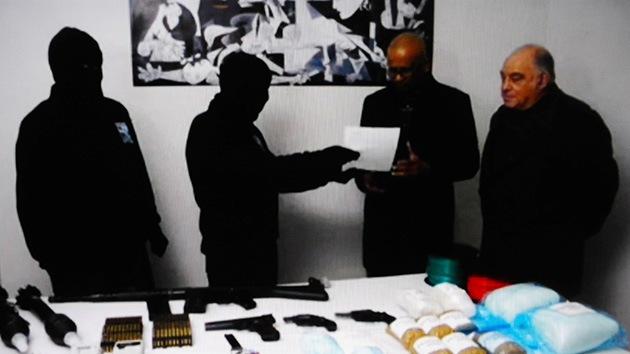 "ETA anuncia un ""desarme total"" de su arsenal"