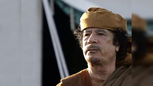 La Corte Penal Internacional podría emitir una orden de arresto a Gaddafi a final de mayo