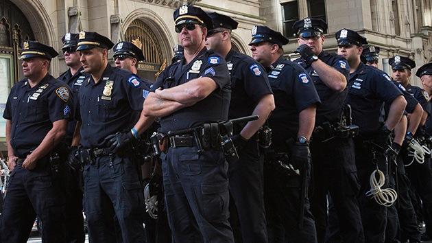 Video dramático: un policía estadounidense dispara contra un hombre sin razón aparente