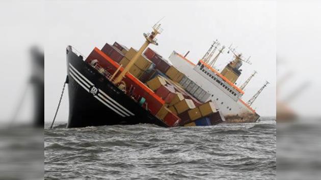Un choque entre dos barcos provoca un derrame de petróleo