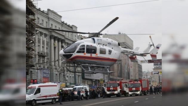 Al menos 35 muertos y 40 heridos en las explosiones del metro de Moscú
