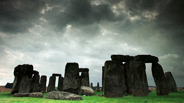 Una manguera ayuda a un obrero a 'resolver' un misterio de Stonehenge