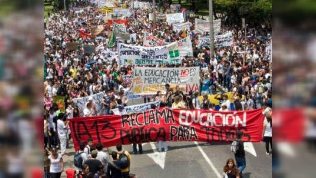 Los estudiantes colombianos copian el modelo chileno de protesta callejera