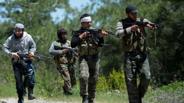 """Los rebeldes sirios practican una """"guerra sectaria"""" y racial"""
