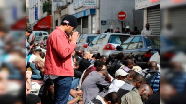 Francia 'castiga' a Alá sin salir de casa