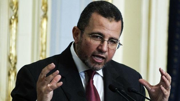 """El primer ministro egipcio llega a Gaza pidiendo el cese de """"la agresión israelí"""""""