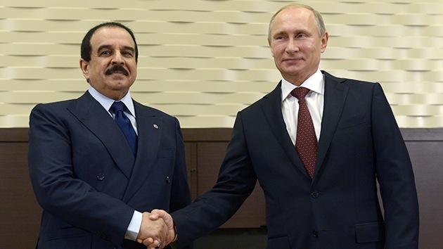 Rusia y Baréin firman en Sochi acuerdos de cooperación e inversiones