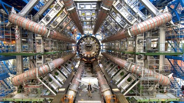 Científicos europeos desintegran en dos el bosón de Higgs