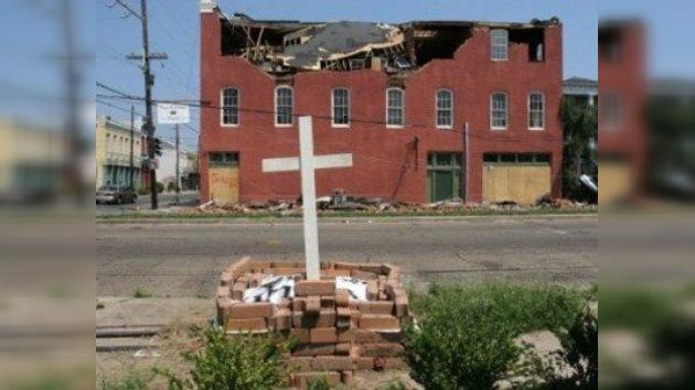 EE. UU. juzga a policías acusados de dos asesinatos tras el huracán Katrina