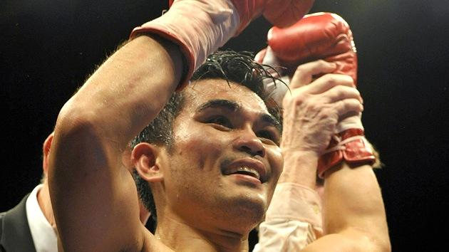 El boxeador Ulises Solís pierde el título de campeón del mundo por una pelea callejera