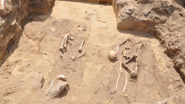 Arqueólogos hallan una tumba de 'vampiros' en Polonia