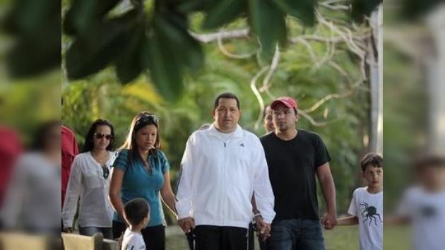 Chávez llega a Venezuela tras permanecer tres semanas en Cuba