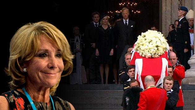 Fotos: Esperanza Aguirre posa sonriendo en el funeral de Margaret Thatcher