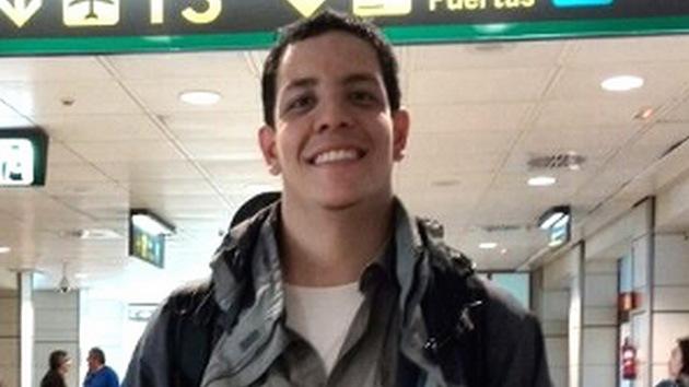 Retienen a un estudiante venezolano en el aeropuerto de Madrid por admitir que es de izquierda