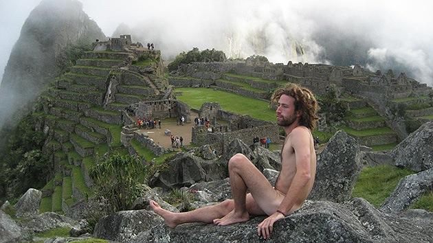 Cuzco alza la voz contra los turistas que se fotografían desnudos en el Machu Picchu