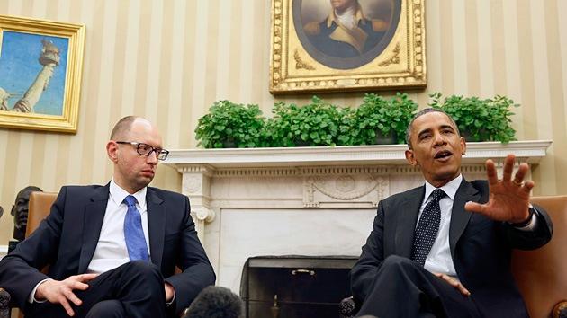 Ucrania quiere dinero, pero EE.UU. le envía 'selfies' y 'hashtags'