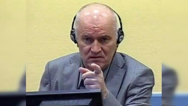 Mladic amenaza con huelga de hambre si le niegan sus derechos