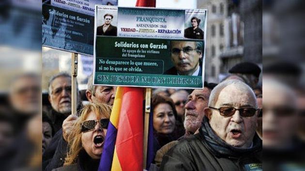 Los españoles salen a la calle para apoyar al juez Baltasar Garzón