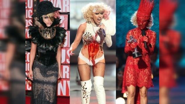 Lady Gaga se viste con carne cruda