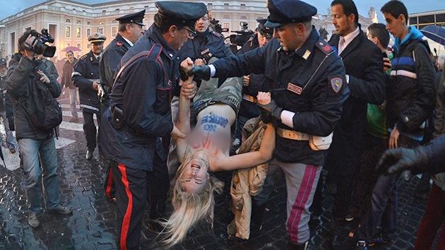 Protesta en el cónclave: activistas de Femen muestran sus pechos en el Vaticano