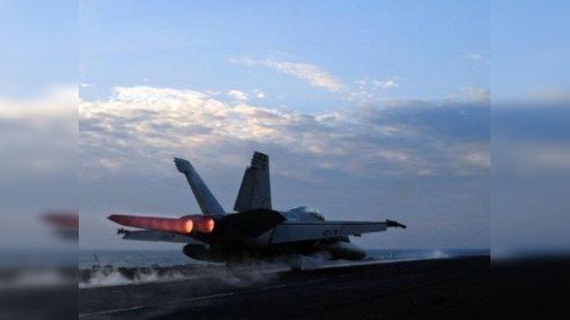 EE. UU. planta dos grupos de buques bajo las narices de Irán