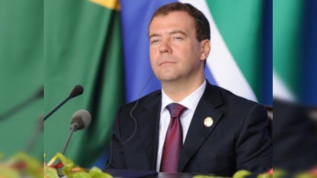 """Dmitri Medvédev: """"El futuro de Rusia está vinculado con la región de Asia-Pacífico"""""""