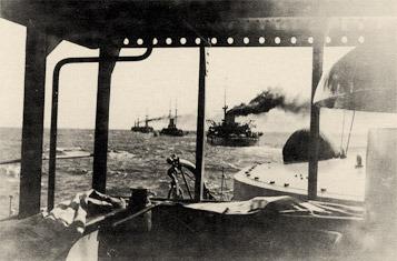 La última marcha de la flota fiel al Movimiento Blanco hacia el puerto de Bizerta