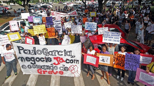 """¡No habrá Copa!"" Maestros brasileños salen en protesta © AFP Marco Monteiro"