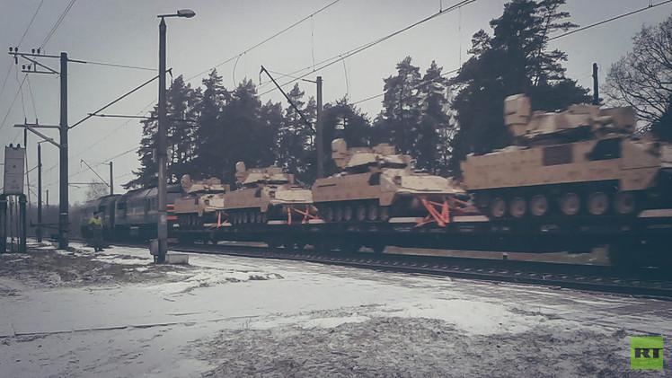 Video exclusivo: Graban 'in fraganti' blindados del Ejército de EE.UU. en Letonia