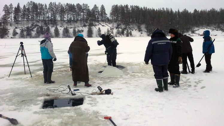Encuentran un meteorito en el fondo de un lago en Rusia