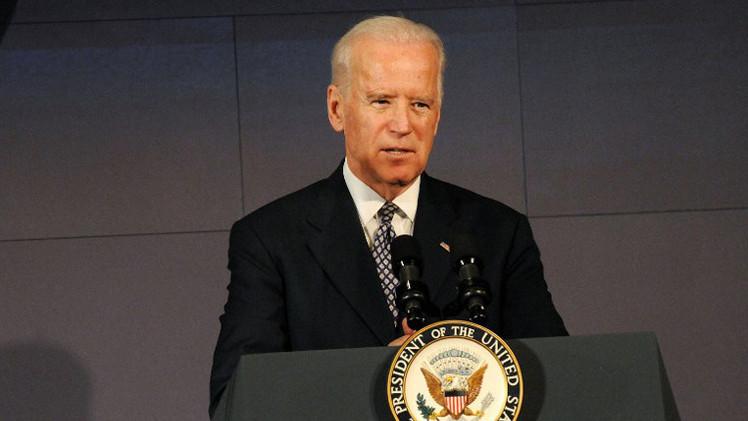 """""""Estampé su cabeza contra el mostrador"""": Joe Biden relata cómo golpeó a un niño en una tienda"""
