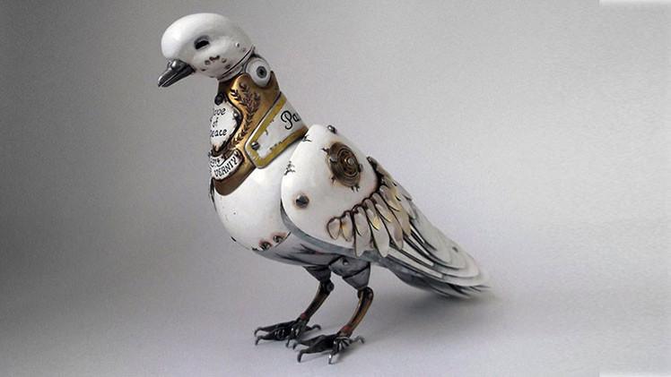 Un artista ruso crea increíbles figuras de animales con piezas de coches