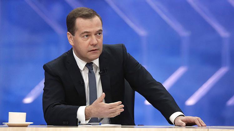 """Medvédev: """"Rusia está cansada de mantener a Ucrania"""""""