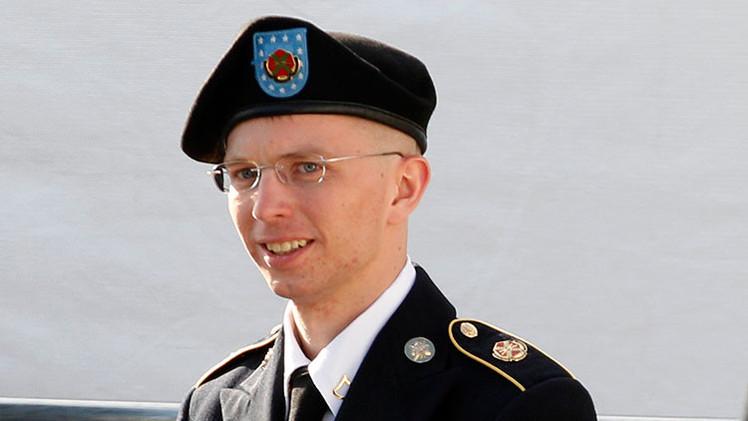"Familiares de Manning: ""Chelsea fue torturada y estuvo incomunicada"""