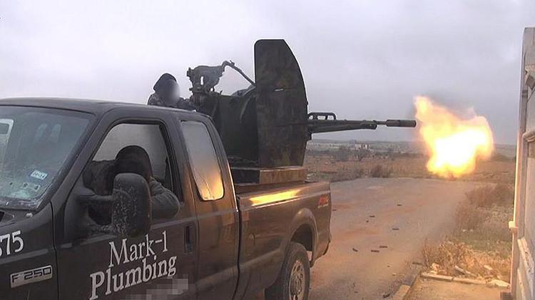 Amenazan a fontanero en EE.UU. tras caer su camioneta en manos de extremistas sirios