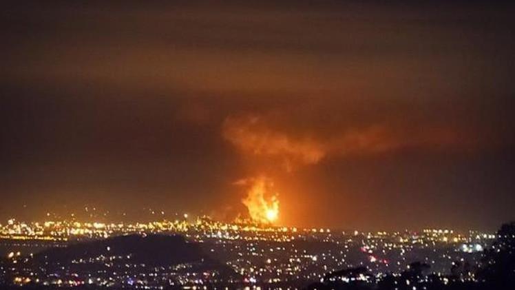 EE.UU.: Llamas de fuego y nubes de humo en la refinería de Chevron en Richmond