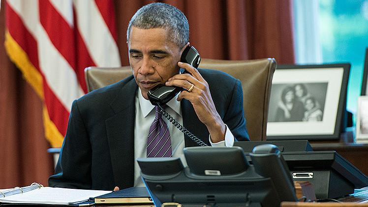 El gobernador de Massachusetts se burla de Obama en directo