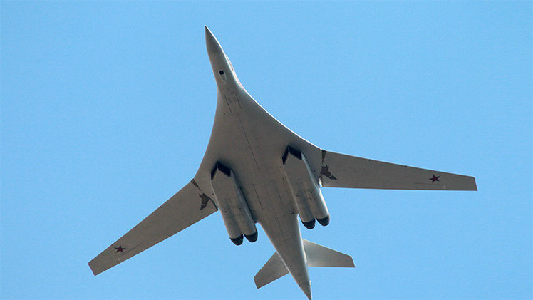 El bombardero estratégico Tu-160 llega mejorado a la Fuerza Aérea de Rusia